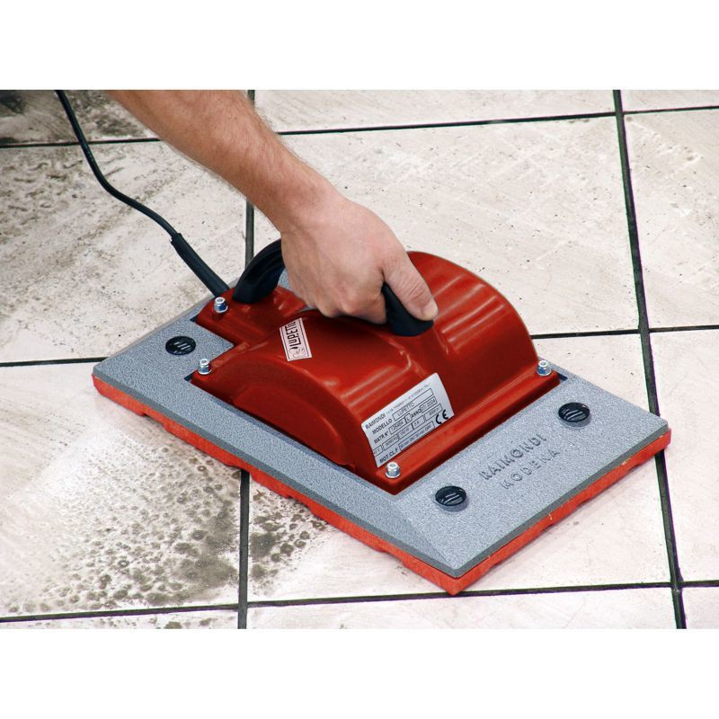 Machine vibrer pour chape lupetto for Machine pour carrelage